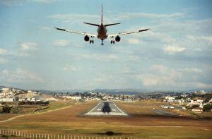 110923_pampulha_airport.jpg - 11.16 kB