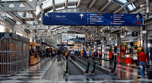 chicago-ohare-airport-inside.jpg - 82,47 kB