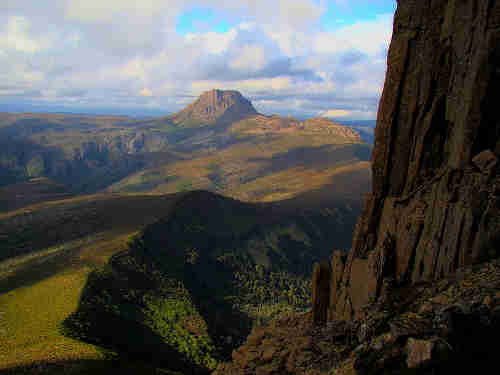 800px_cradle_mountain_seen_from_barn_bluff.jpg - 10,42 kB