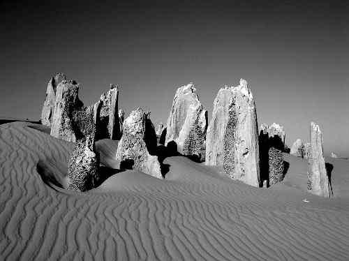 800px_pinnacles_western_australia.jpg - 15,39 kB